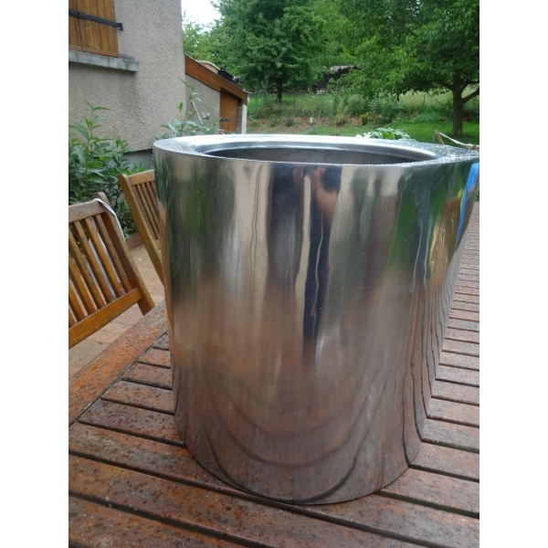 Arqitecture metal cache pot d coration feng shui for Cache pot exterieur