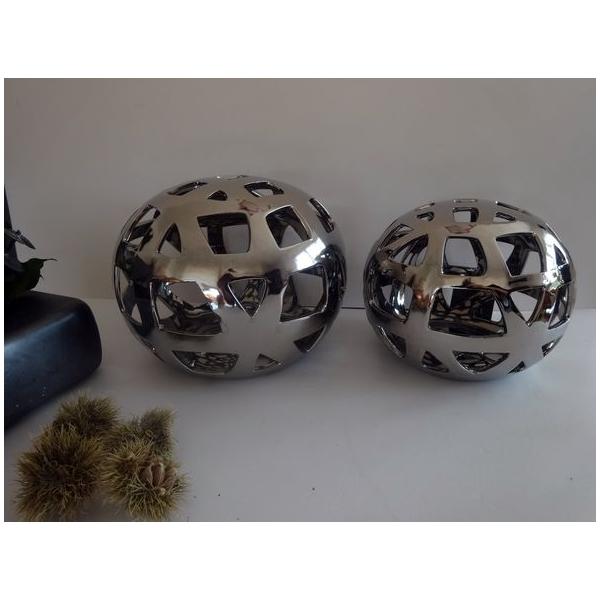 Arqitecture terre boule m tal c ra d coration for Boule metal deco jardin