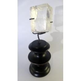 Pierre sur socle, Calcite