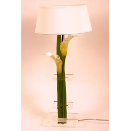 Lampe artistique fleurie blanche