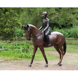 Cavalière sur sa monture, Bronze