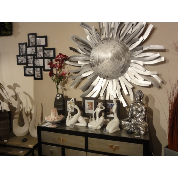 tableau metallique deco cool tableau moderne fleurs blanches with tableau metallique deco. Black Bedroom Furniture Sets. Home Design Ideas