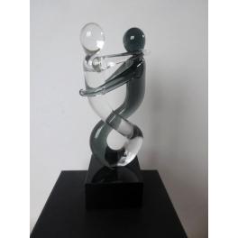 Sculpture couple enlacé de danseurs, Verre