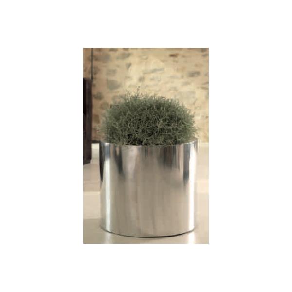 Arqitecture metal cache pot d coration feng shui for Cache pots exterieur