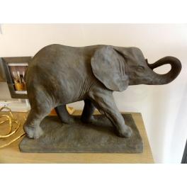 Statue réaliste Eléphant, Résine marron