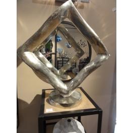 Le Carré sculpture, Métal