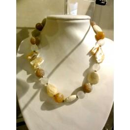 Collier perles fantaisies orangées, corail et nacre